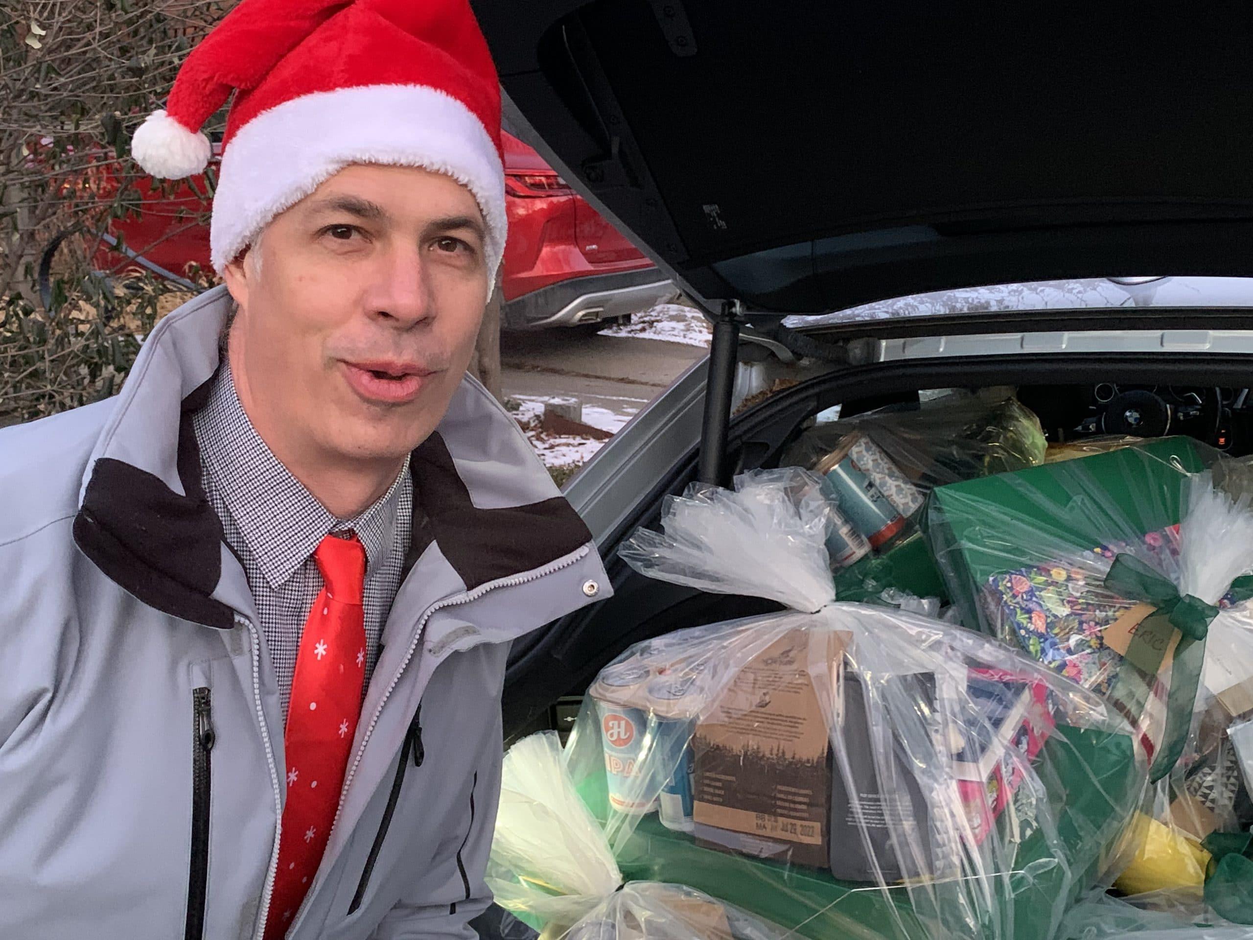 Santa Ray Gifting 2020